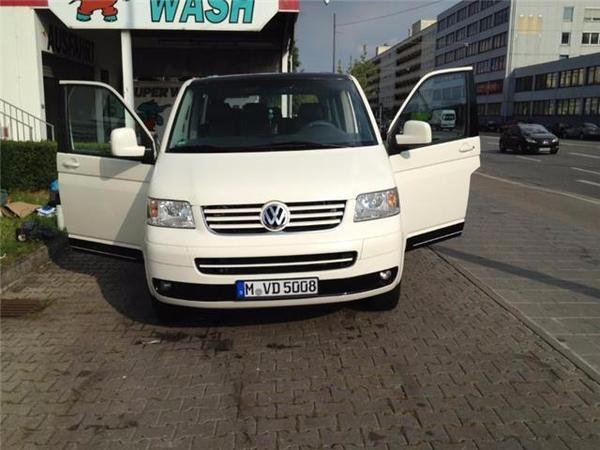 vw t5 transporter gebrauchtwagen behindertengerecht in m nchen vw bus multivan caravelle. Black Bedroom Furniture Sets. Home Design Ideas