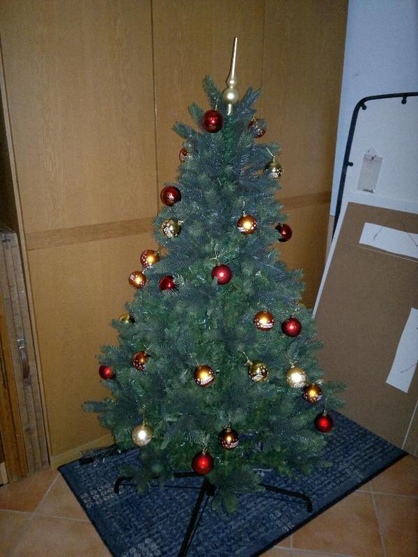 k nstlicher weihnachtsbaum von ferrero optisch sehr sch n gr e ca 160 cm in. Black Bedroom Furniture Sets. Home Design Ideas
