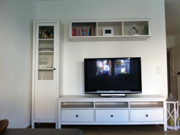 wohnwand hemmnes wei hemmnes tisch in lorsch ikea m bel kaufen und verkaufen ber private. Black Bedroom Furniture Sets. Home Design Ideas