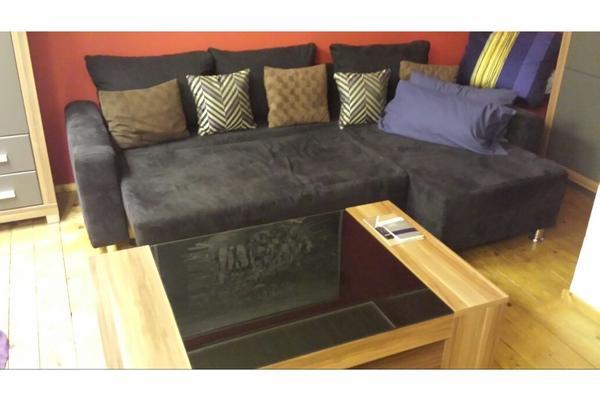 wohnzimmer mit couch in neuenstadt haushaltsaufl sungen kaufen und verkaufen ber private. Black Bedroom Furniture Sets. Home Design Ideas