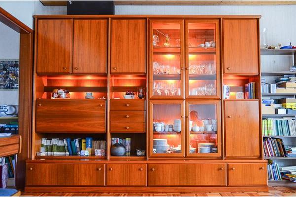 Wohnzimmerwand kirschbaum raum und m beldesign inspiration for Designer schrankwand