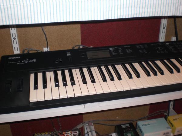 yamaha s03 synthesizer in aachen keyboards kaufen und verkaufen ber private kleinanzeigen. Black Bedroom Furniture Sets. Home Design Ideas