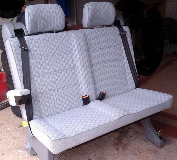 zusatz sitzbank f r innen und zusatzausstattung. Black Bedroom Furniture Sets. Home Design Ideas
