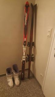 Zwei Ski und