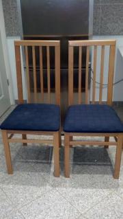 Zwei Stühle gepolstert...