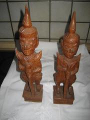 2 handgeschnitzte Holzfigur Figur aus