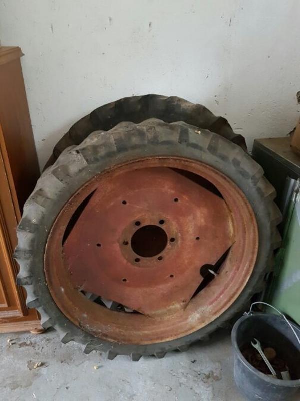 traktor reifen neu und gebraucht kaufen bei. Black Bedroom Furniture Sets. Home Design Ideas