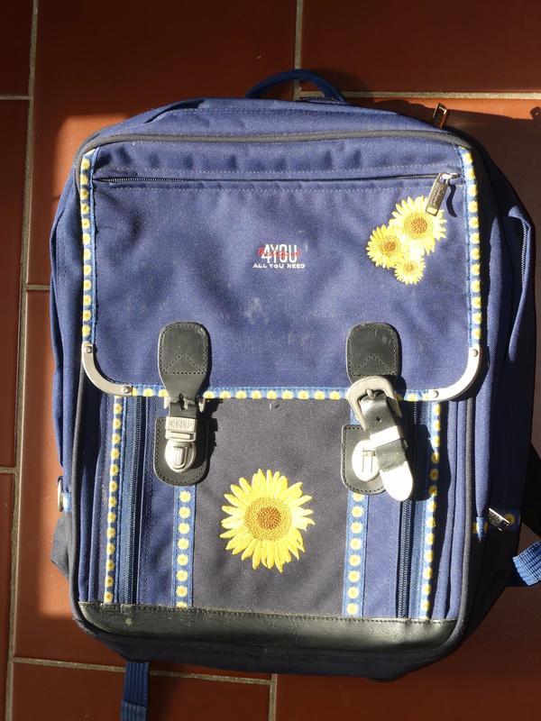 ebc87ae994298 4you Schulranzen blau mit Sonnenblumen in Bad Säckingen - Schul- und ...
