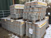 60 qm Rasengittersteine