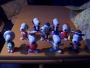 9 Snoopy-Figuren,