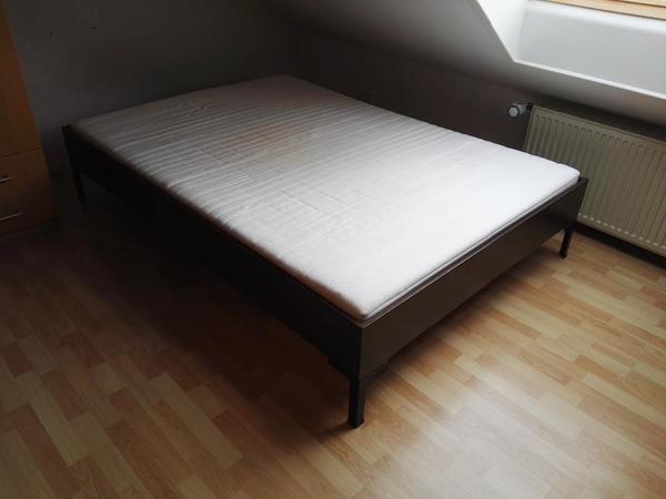 bettgestell 140x200 lattenrost und bettgestell x auf bild klicken um zu vergrern with. Black Bedroom Furniture Sets. Home Design Ideas