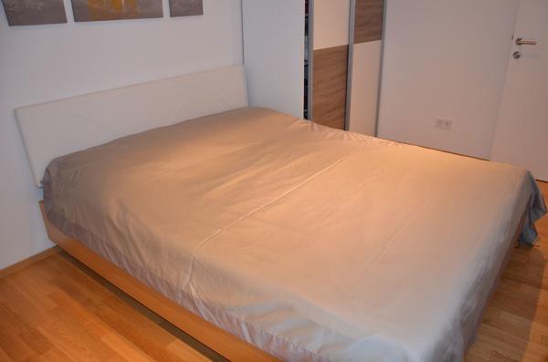 bett 160cm echtholz in lochau betten kaufen und verkaufen ber private kleinanzeigen. Black Bedroom Furniture Sets. Home Design Ideas