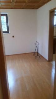 Biete 2-Zimmer-