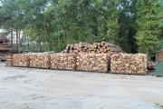 Brennholz kammergetrocknet mit Lieferung für