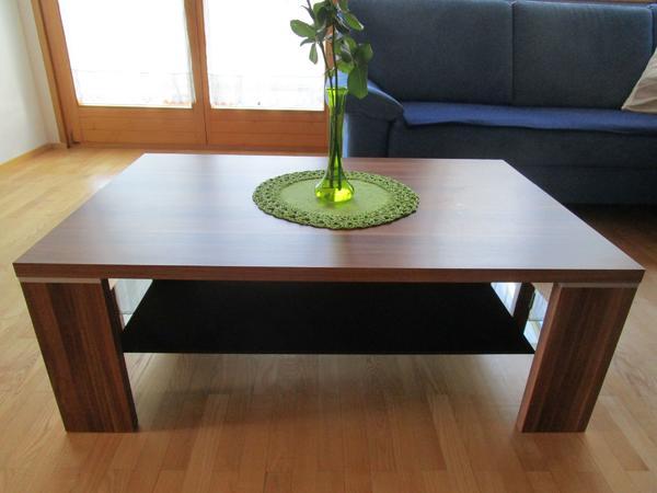 couchtisch nussbaum in dornbirn couchtische kaufen und verkaufen ber private kleinanzeigen. Black Bedroom Furniture Sets. Home Design Ideas