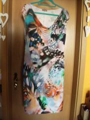 elastisches bequemes Kleid mit Fotodruck