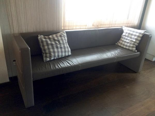 altes leder kleinanzeigen familie haus garten. Black Bedroom Furniture Sets. Home Design Ideas