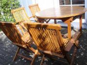 Gartenmöbel, vier Holzgartenstühle