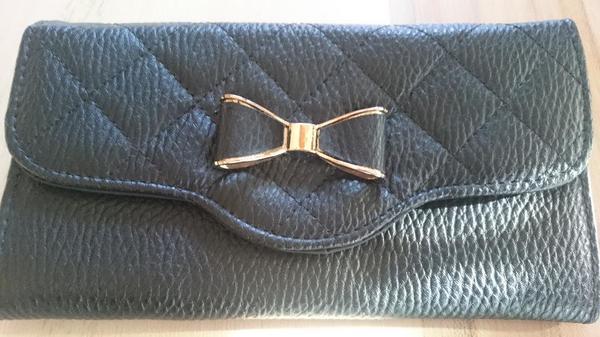 2b9ecdfeeeb6a Geldtasche Geldbeutel schwarz mit Schleife