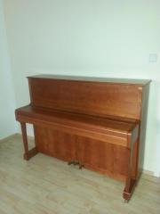 Gepflegtes Klavier zu
