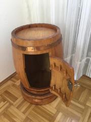 Holzfass handgearbeitet aus