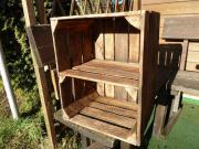 Holzkiste mit Zwischenboden