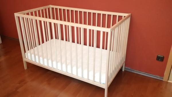 IKEA Kinderbett Sniglar mit Matratze, Gitterbett 120 x 60 cm gebraucht kaufen  90431 Nürnberg
