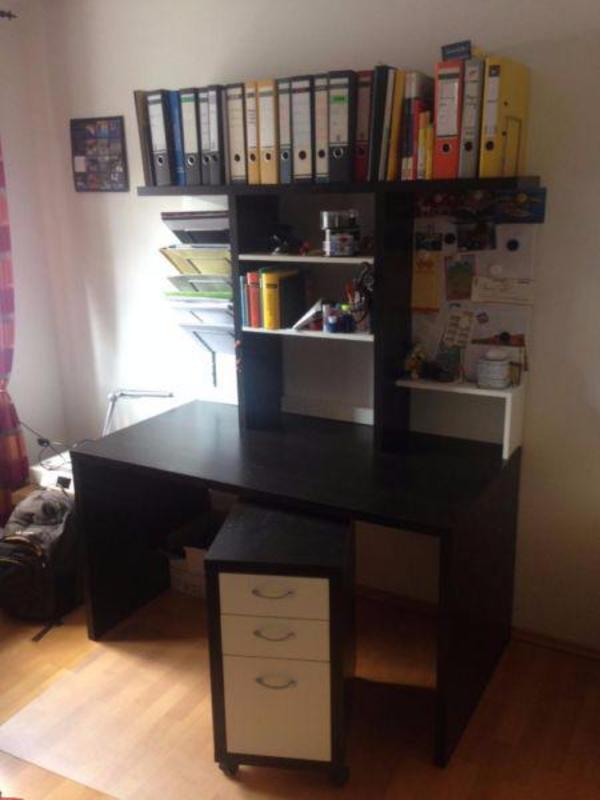 ikea schreibtisch mikael mit aufsatz rollcontainer in m nchen ikea m bel kaufen und. Black Bedroom Furniture Sets. Home Design Ideas