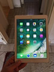 iPad Air weiß