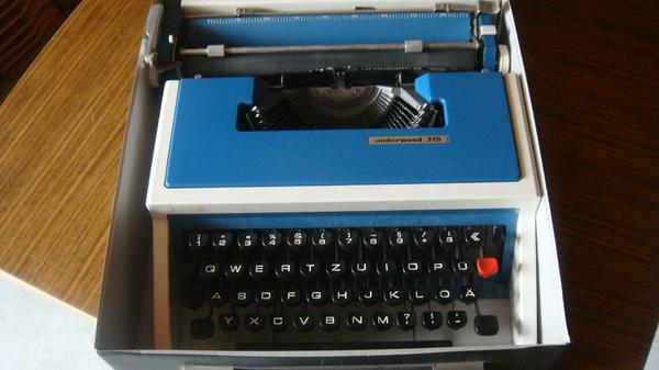 Kofferschreibmaschine, mechanisch » Büromaschinen, Bürogeräte