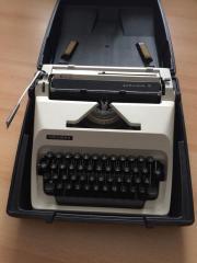 Kofferschreibmaschine TRIUMPH - Schreibmaschine