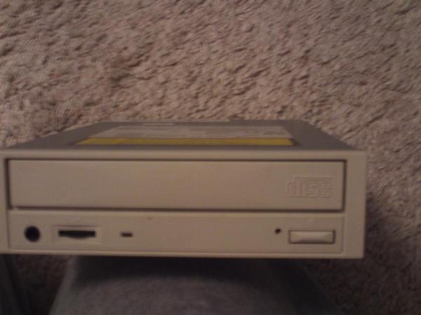 Komplettes Homeofficeauflösung PC Boxen Fax