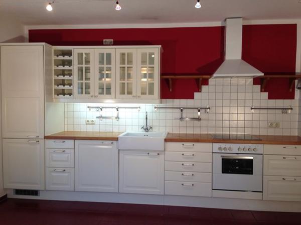 k chenzeilen landhausstil. Black Bedroom Furniture Sets. Home Design Ideas