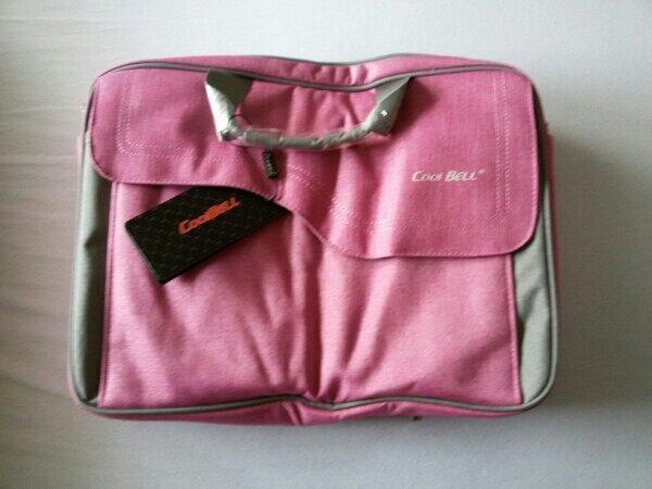 Laptop Tasche in Pink - Heßdorf Klebheim - Laptop Tasche in Pink15.6 ZollMit UmhängegurtSehr hochwertige Verarbeitung. Neu und unbenutzt.Leider falsch bestellt !!! - Heßdorf Klebheim