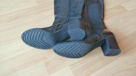 Schuhe, Stiefel - Moderne Damenstiefel Guliette USA Größe