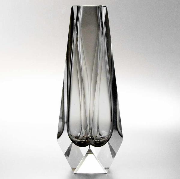 murano block vase facettenschliff zartgrau flavio poli f r seguso in bregenz glas. Black Bedroom Furniture Sets. Home Design Ideas