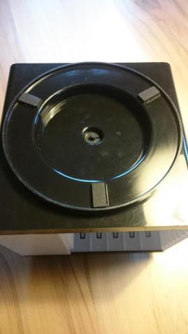 Musikkassettenrondell Kassettenwürfel 70er mit Musikkassetten: Kleinanzeigen aus Schechen - Rubrik CDs, DVDs, Videos, LPs