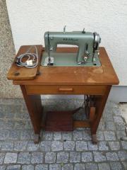 adler naehmaschine tisch haushalt m bel gebraucht und neu kaufen. Black Bedroom Furniture Sets. Home Design Ideas