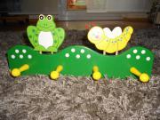 Neue schöne Kindergarderobe aus Holz
