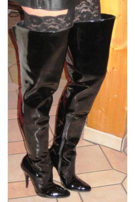 Schuhe, Stiefel - Overknee Lacklederstiefel Gr 41 rosa
