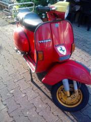 Piaggio Vespa P80