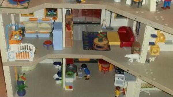 Playmobil Wohnhaus Mit Spielzeug Lego