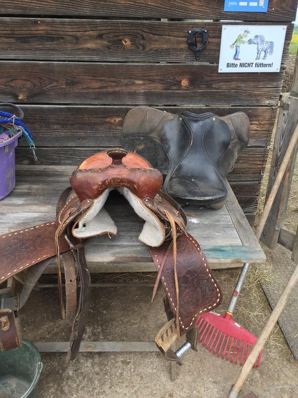 Pony Westernsattel - Wörthsee - Verkaufe gebrauchten Westensattel für Pony.Bitte WhatsApp, Email oder SMS. Danke ! - Wörthsee