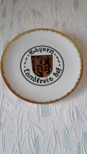 Porzellanteller mit Wappen