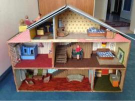 Puppenhaus 70 er Jahre 80: Kleinanzeigen aus Starnberg - Rubrik Puppen