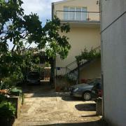 Renovierungsbedürftige Wohnung in