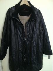 RESERVIERT - schwarzer Mantel