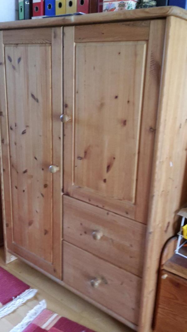 Schöner kleiner Holzschrank massiv in Eching - Schränke, Sonstige ...