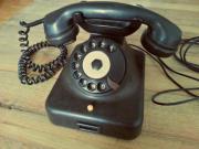 schönes altes Bakelittelefon
