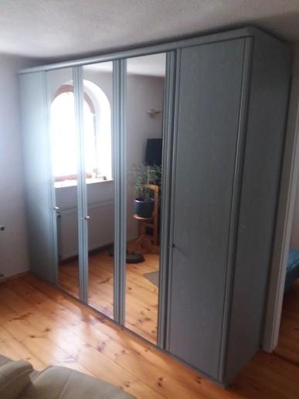 Schränke-Schlafzimmer sehr guter Zustand Preis: 250 EUR in Coswig ...